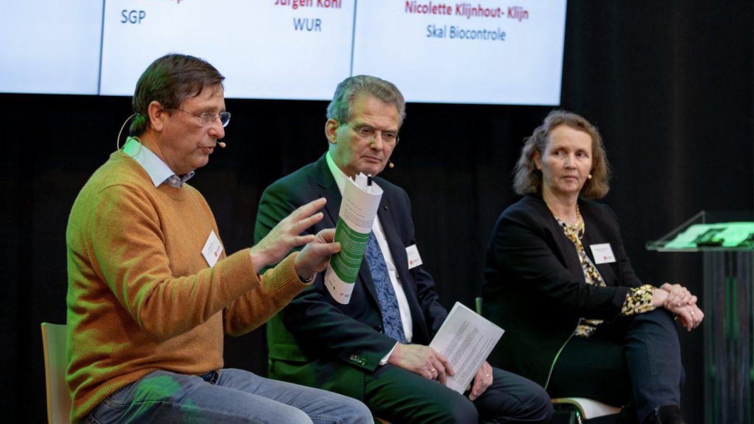 https://landbouwzonderchemiehoedan.nl/files/visuals/_newsBig/Koehl_Bisschop_Klijn_LZCH20_1024_617_84_c1.jpg
